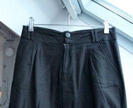 Mini jupe boule en coton noir