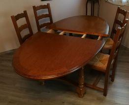Table ovale chène avec pieds massifs
