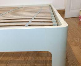 cadre de lit Ikea avec sommier a lattes