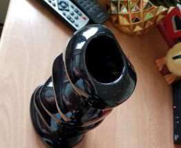 2 vases noirs