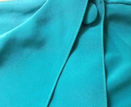 Fiona - Chemisier en soie vintage vert émeraude boutonnée