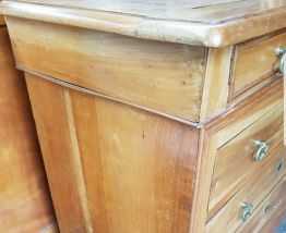 Belle commode ancienne