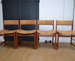 4 chaises scandinaves