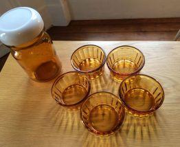 Bocal verre ambré et 5 coupelles assorties