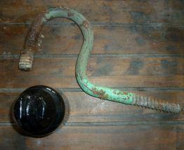 Plot EDF isolateur en verre et son crochet métallique