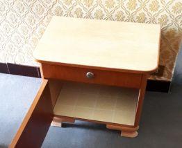 TABLE CHEVET ANNEE 50