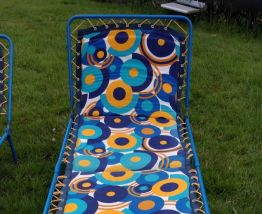 chaise longue vintage motif seventies