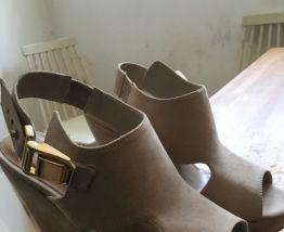 Chaussures à talons compensés 37