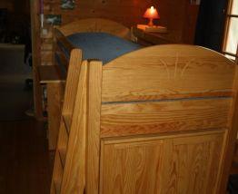 Lit rehaussé avec commode+armoire+bureau (cacojo)