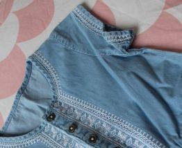 Combishort en jeans et dentelle 3 ans