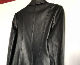 Veste cuir véritable très bon ètat