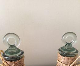 Paire de flacons verre/osier