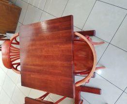 table ronde ou carré avec 2 chaises style bistro année 50