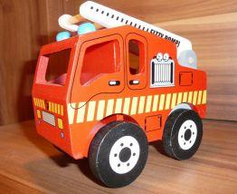 Camion de pompier en bois