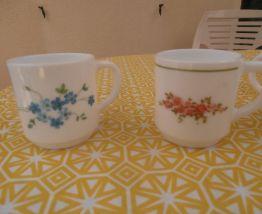 Lot 24 tasses à café ARCOPAL décor fleur VINTAGE