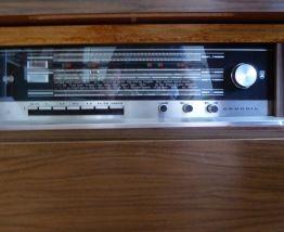 Meuble Hifi radio et platine