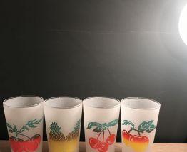 4 verres vintage avec motifs fruits