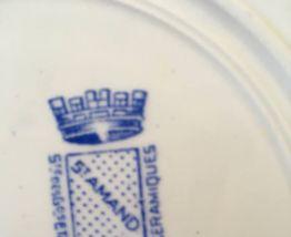 Sept assiettes dessert St Amand en bleu .