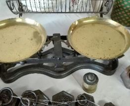 balance avec plateau en fonte