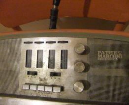Téléviseur Pathe Marconi La voix de son maître