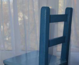 Chaise bois enfant vintage
