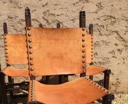 Chaises style médiéval