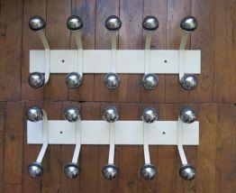 Porte manteau metal 70s boules chromées 10 patères TBE