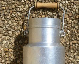 pot lait ancien en aluminium, vintage