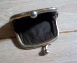 Ancien petit porte-monnaie
