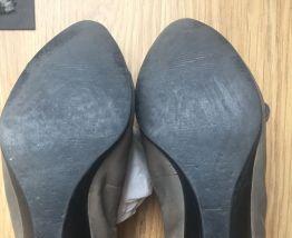 Ballerines en cuir gris et vernis noir