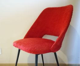 Chaise cocktail moumoute rouge