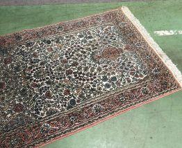 Tapis fait main en laine et soie - 1m60 x95cm