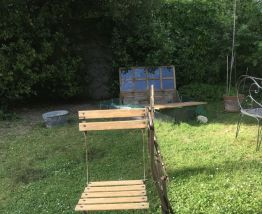 2 chaises de jardin pliantes en métal et bois vintage