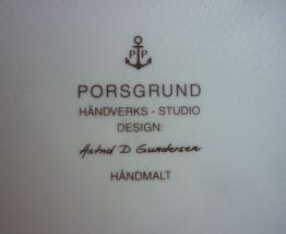 Coupe en porcelaine d'Astrid D Gundersen