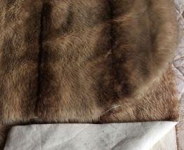 Dessus de lit vintage en fourrure synthétique