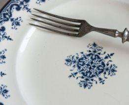 Assiette terre de fer faïenceries de Rouen