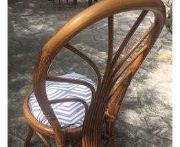 Tres jolie chaise en rotin vintage