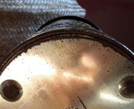 Boîte en métal peint