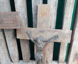 Lot d'ancienne croix en bois religieuse