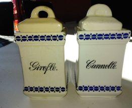 lot ancien pots à épices en faïence art déco 1930