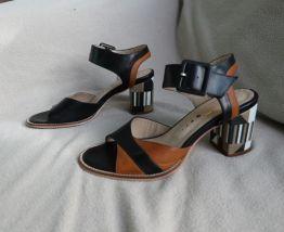 Sandales à talons tricolores
