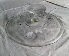 Plat présentoir à tartes et gâteaux en verre sur pied