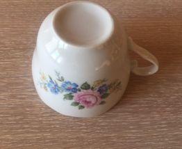 8 tasses porcelaine, décor roses shabby