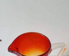 Pichet verre flammé rouge, orange, jaune, vintage