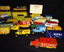 40 véhicules publicitaires Corgi de collection