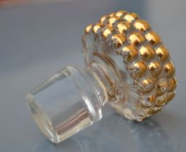 Bouchon de carafe en cristal doré année 50