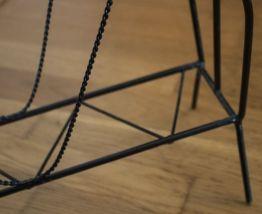 Porte revues ancien en métal noir vintage