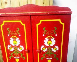 Petite armoire vintage