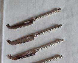 Couteaux vintage métal argenté marque Boursin objet publicit