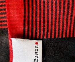 Carré Burton rouge et noir